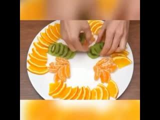 Очень красивая фруктовая тарелка