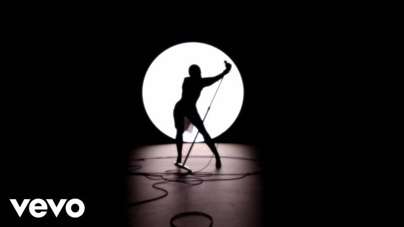 Miley Cyrus Midnight Sky 2020 Video Music Awards
