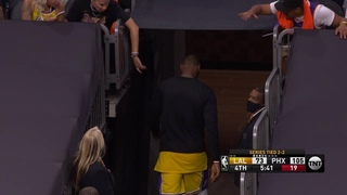 LeBron James got upset and leaves the game early against the Suns
