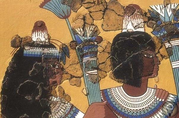 Тайна египетских конусов На изображениях древних египтян часто можно заметить необычные конусообразные объекты, которые люди носят на голове. Объекты долго сбивали археологов с толку, заставляя
