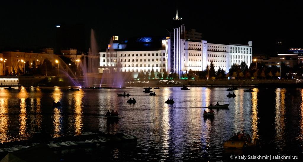 Ночная Казань, катамараны на озере Кабан, Татарстан 2020