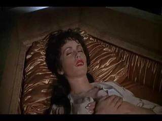 Дракула: Мертвый и довольный   Dracula: Dead and Loving It   Трейлер    1995