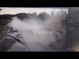 Момент жесткой аварии на М5 в Челябинской области