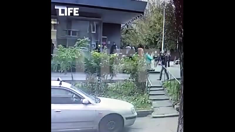 Сотрудник ОСБ МВД Максим Веялко убегает от своего убийцы в Москве