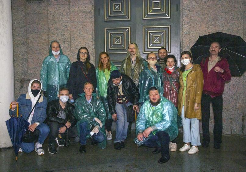 Добровольцы кинокомпании «Союз Маринс Групп» накормили около сорока бездомных