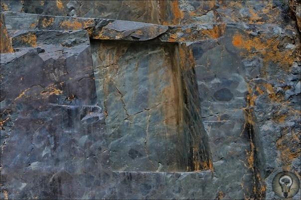 Изрезанные скалы. Загадка Ольянтайтамбо К изрезанным скалам мы уже привыкли. Но как образовались эти выступы на месте выборки материала И зачем они вообще Мало того, что совершенно неясно какие