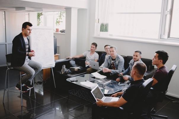 Требуются сотрудники на совмещенный график в Продюссерский центр!    1