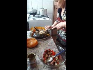 бабуля готовит армянскую ХАПАМУ