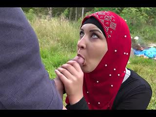 ПОРНО -- ЕЙ 26 -- ВЫВЕЗ МАДИНУ В ЛЕС -- muslim porn sex --  Amaris