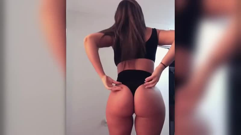 NAKED SEX BABES POSING AND TWERKING Big Ass Ebony