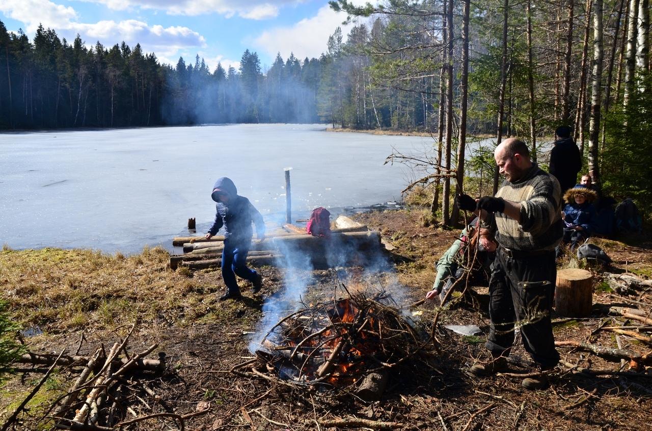 Из Комарово в Зеленогорск. Черные озера, гречневая каша на костре и Финский залив в конце марта