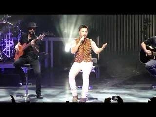 Tarkan - inci Tanem [Sabret] & ikimizin Yerine (Akustik) Live!