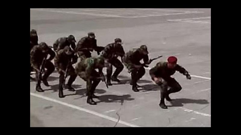 Хит интернета Танцы африканских курсантов с автоматами стали хитом в интернете