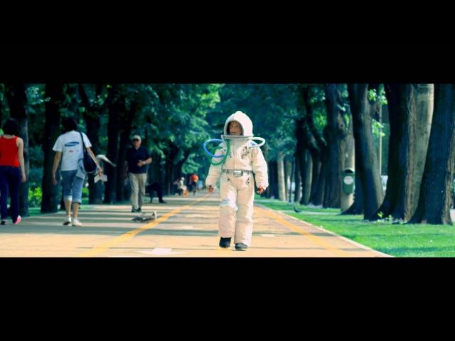 Guess Who Tot Mai Sus feat deMoga videoclip