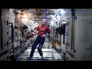 Astronaut Chris Hadfield Space Oddity song, Major Tom, David Bowie