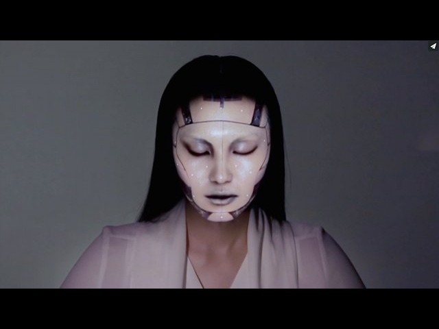 OMOTE REAL TIME FACE TRACKING PROJECTION MAPPING
