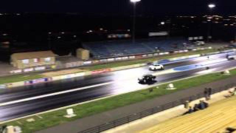1983 V8 Volvo 242 vs 2014 Nissan GTR Drag Race Bandimere