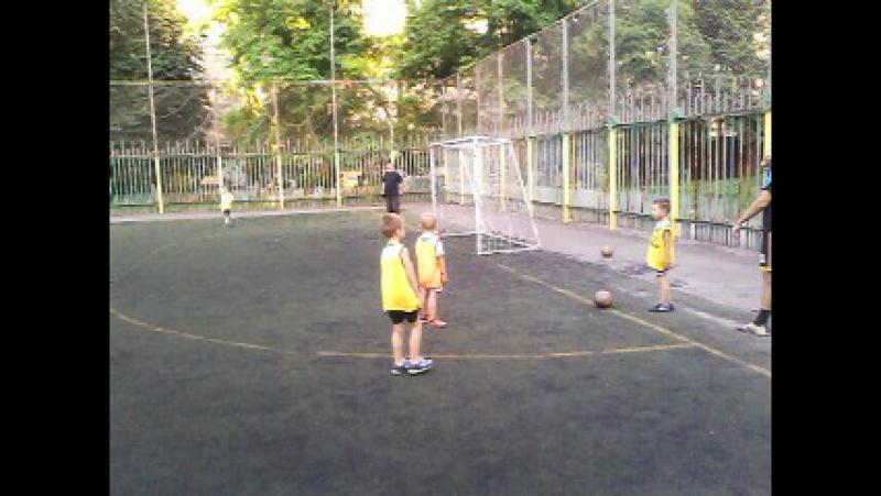 MOV00030 Внук на тренировке!Футболист!