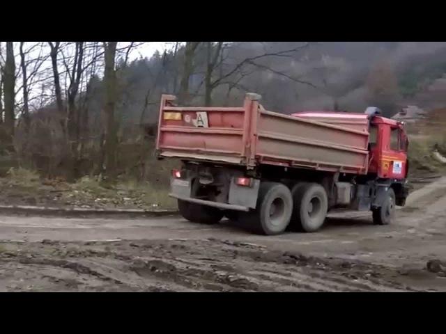 Tatry 815 zvuk motoru při průjezdu
