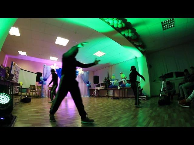 Break dance show Wild Beezz