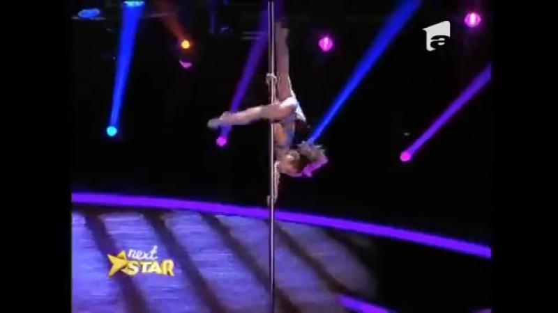 8 летняя гимнастка из Украины лишила судей румынского шоу талантов дара речи Тал