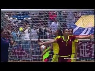 Segundo gol de Daniuska Rodriguez ante Colombia en el Sudamericano Femenino Sub 17