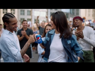 """Kendall jenner & feat. """"lions"""" - pepsi """"live for now moments anthem"""" by skip marley"""