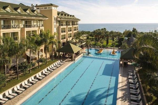 Отели Турции с подогреваемыми открытыми бассейнами, изображение №4