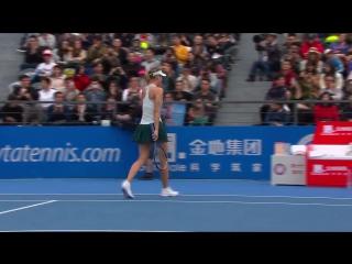 That's the first set to Maria Sharapova over Buzarnescu, 6-3! #ShenzhenOpen