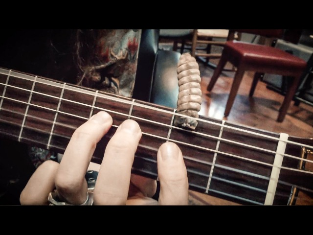 Rattlesnake Percusion Guitar Solo