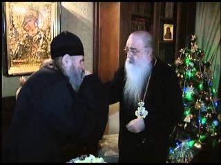 Митрополит Филарет вручил архим. Кириллу Бадичу орден