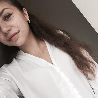 Аня Бусняк