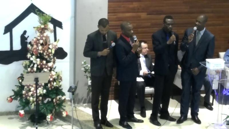 Confia em Deus - Imigrantes Haitianos Cantam na IASD.