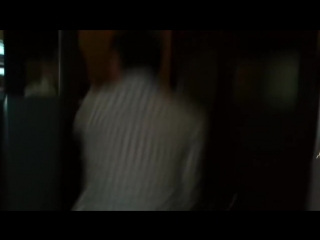 парень спалил шкуру во время того, как ее ебали в туалете ночного клуба