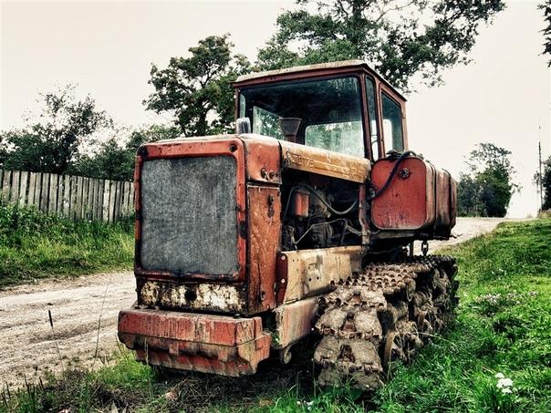картинки советских тракторов и комбайнов вклеила
