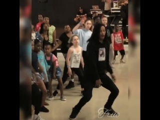 Beast! I was happy to see this choreo from the Paris work shop! •