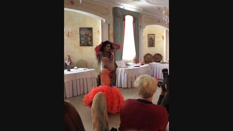 Выступление Амины Назаревич в ресторане Клуб деловых людей