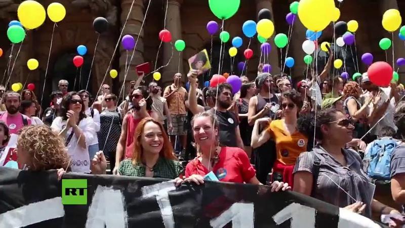 Brasil: El movimiento EleNão se manifiesta en contra de la elección del favorito Bolsonaro