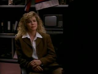 """Художественный фильм """"Под прицелом"""" (прокатное название """"Стальной кулак"""")  1995 г."""