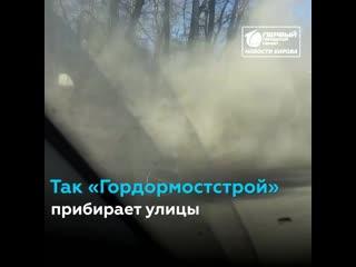 На Комсомольской водителей накрыл столб пыли