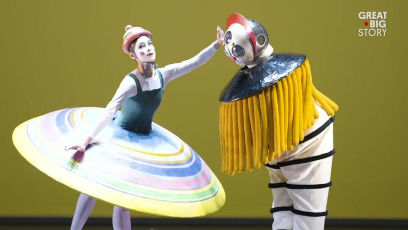 Bauhaus Ballet A Dance of Geometry 1