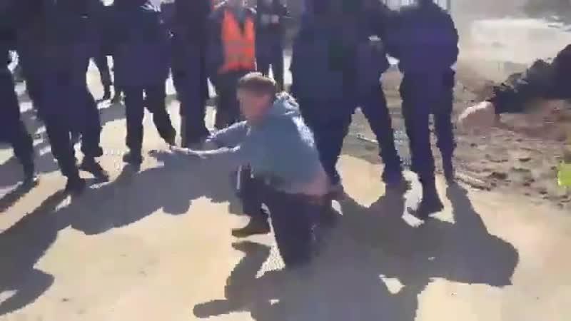 Вчерашнее нападение ЧОП Гарантия Безопасности, г. Москва, на активистов на ст. Шиес. Постр