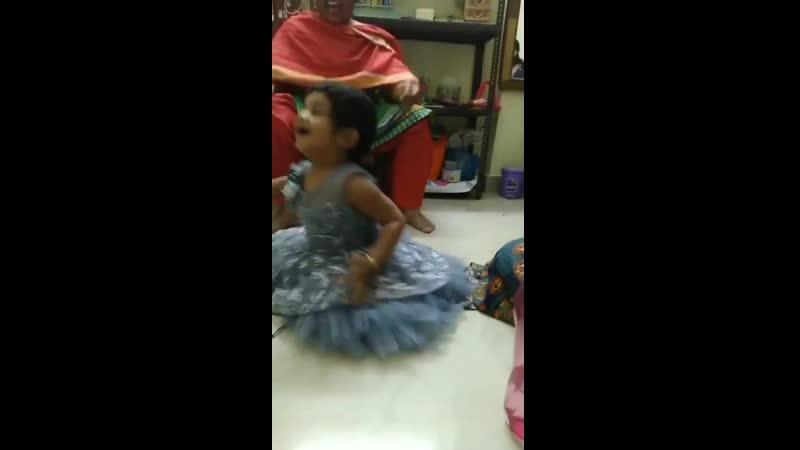 This is soooo cute iSmartKid dancing for USTAAD ISMART SHANKAR song