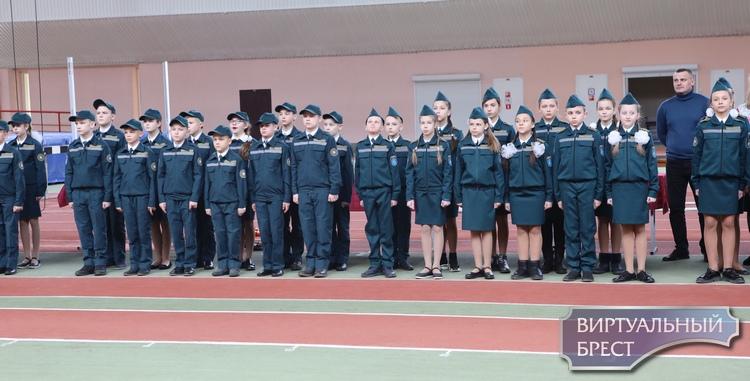 Состоялась церемония торжественного посвящения учащихся классов профессиональной направленности МЧС