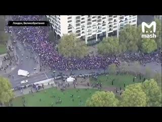 Волна протестов прокатилась по всему миру из-за налогов и коррупции