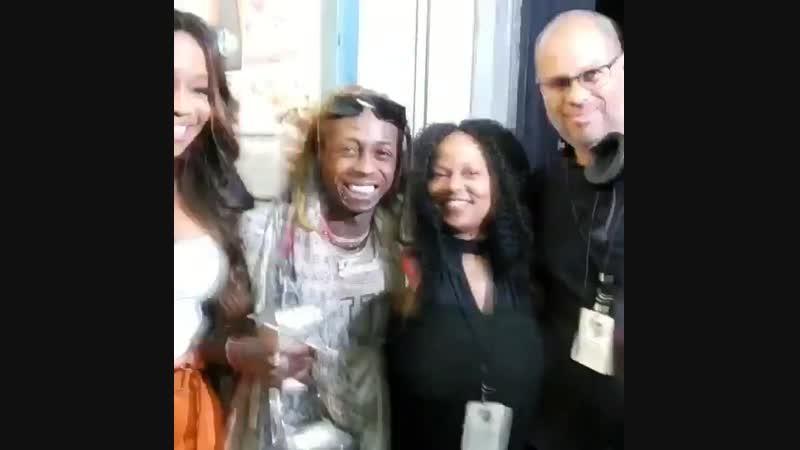 Tonight, Lil Wayne will be presented with the I Am Hip-Hop award at the 2018 BET Hip-Hop Awards! lilwayne hiphopawards beth