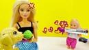 Evi fica sozinha em casa. Vídeo com brinquedos para crianças.