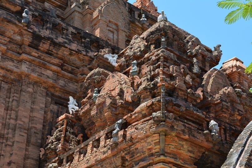 Чамские башни По Нагар, изображение №5