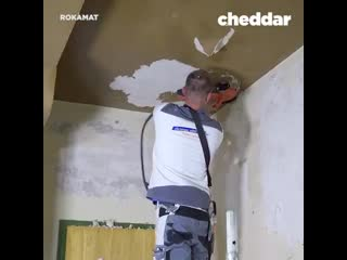 The most efficient way to strip wallpaper.
