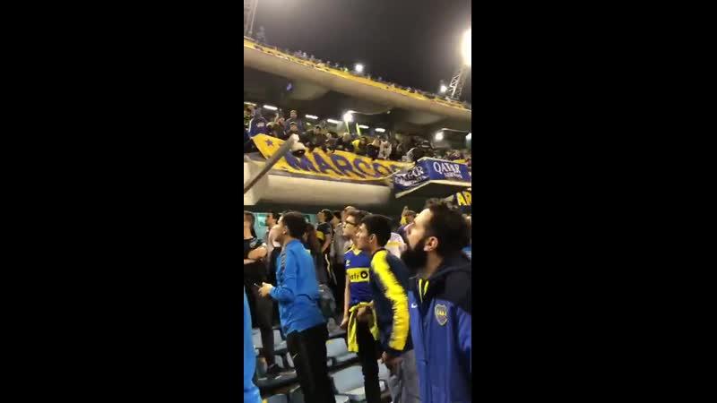 Carlos Aguas insultando a los socios de Boca.